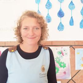 Silvia maestra escuela Montessori Caracoliris