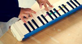 Clases de música para niños - Escuela Montessori Caracoliris